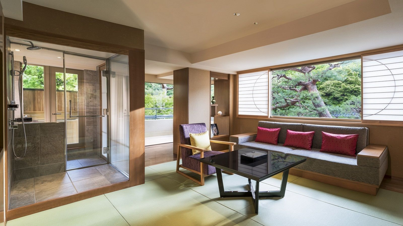 AKATOKITSUYU EXECUTIVE SUITE